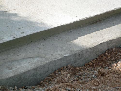 02.10.2008: Einfahrt Zur Garage; Bodenplatte Versetzt