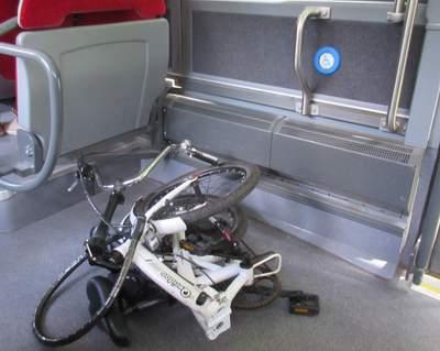 Gefaltetes Rad im Schienenersatzverkehr