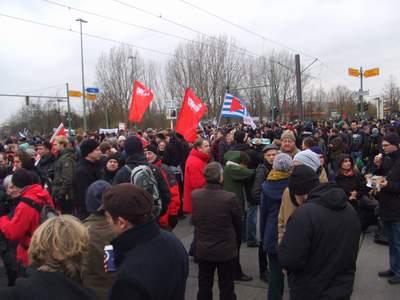 Blockade Blumberger Damm/ Landsberger Allee gegen Nazis am 22.11.14