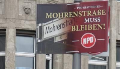 NPD-Plakat gegen die Umbenennung der Möhrenstrasse