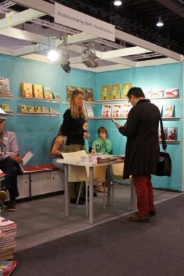 Apicula am Bücherstand, Buchmesse 2012 (Frankfurt)