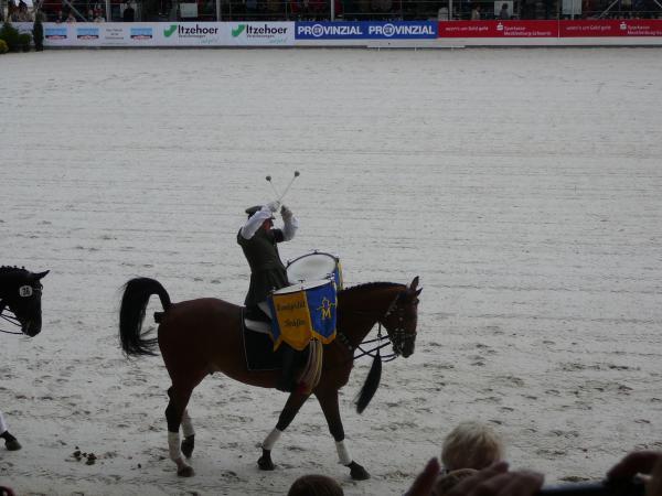 WOODSTOCKS WELT: Der Pferd hat vier Beiner. Hat er keiner