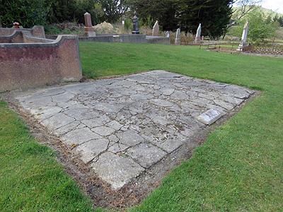 Palmerston Cemetery - New Zealand - 8 October 2015 - 9:32