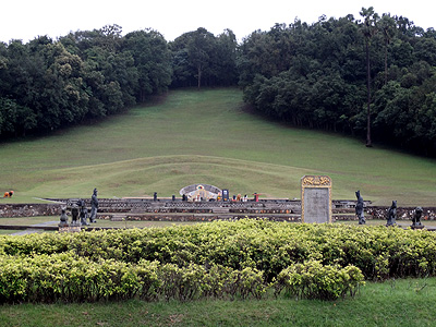 Governor's Grave - Rakang Thong - Ranong - Thailand - 30 July 2013 - 18:02