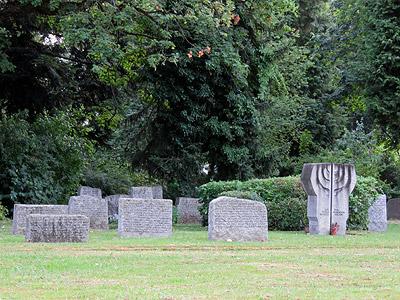 Hauptfriedhof - Freiburg - 9 July 2015 - 20:56