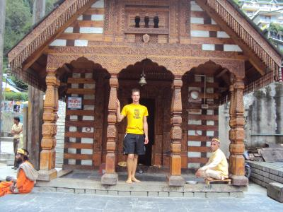 in a tempel in Manali, with hot springs