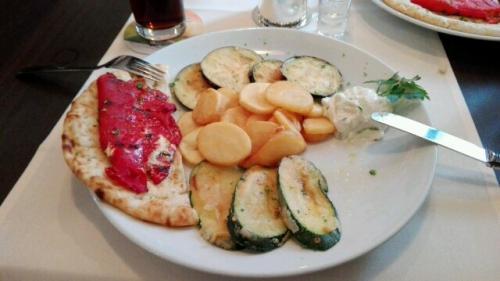 Griechischer Vorspeisenteller für Vegetarier, lecker!!!
