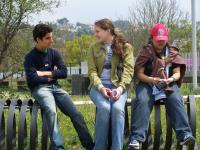Zwischenpause in der Gesamtschule: Austauschschueler aus Mexiko, USA und Thailand (v.l.n.r.)