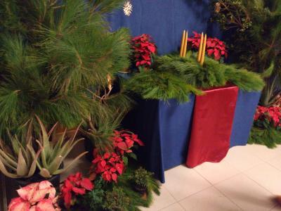 Festliche Dekoration mit Adventskranz