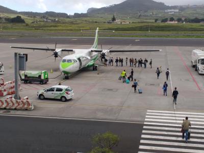 Kleines Flugzeug nach Lanzarote