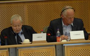 Ausschussvorsitzender Libicki (li.), stellv. Vorsitzender Chapman