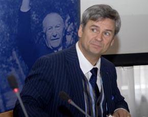 Karl-Heinz van Lier