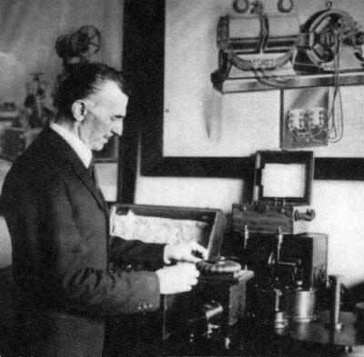 Nikola Tesla ca. 30er Jahre des 20. Jhs.