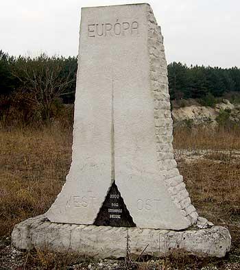 Memorial. (novala)