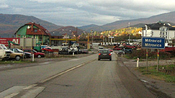 Entering Mitrovica. (novala)
