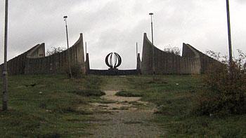 Monument. (novala)