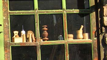 Shop window in Sarajevo. (novala)