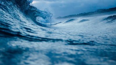https://pixabay.com/de/photos/ocean-wave-wasser-ozean-meer-welle-1149174/