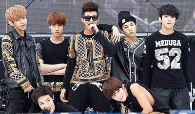 https://commons.wikimedia.org/wiki/File:BTS_performing_on_July_27,_2013_02.jpg
