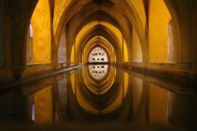 https://pixabay.com/de/photos/zisterne-wasser-architektur-stausee-918467/