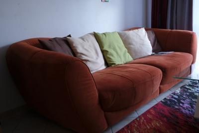 https://pixabay.com/de/photos/sofa-sitzgelegenheit-couch-ausruhen-2777510/