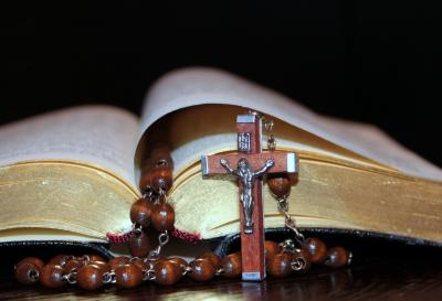 https://pixabay.com/photos/cross-rosary-prayer-book-gold-edge-1216514/